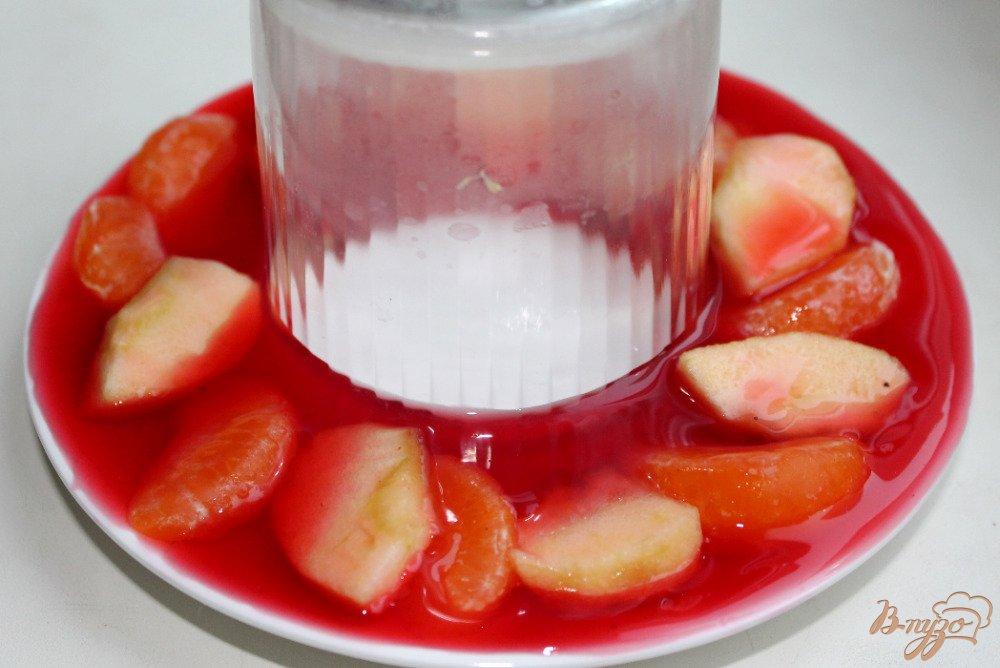 Фото приготовление рецепта: Двухцветное желе шаг №4