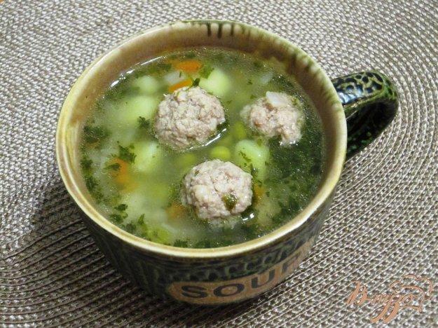фото рецепта: Суп с фрикадельками и зеленым горошком