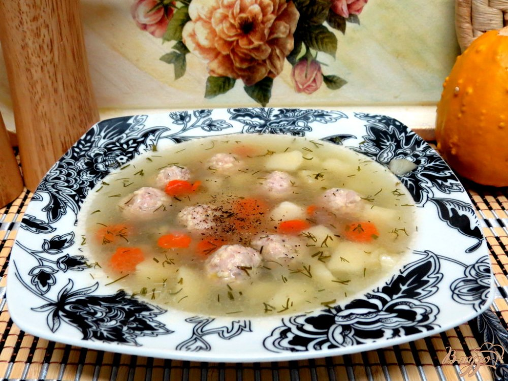 Фото приготовление рецепта: Суп с фрикадельками курино - сырными шаг №8