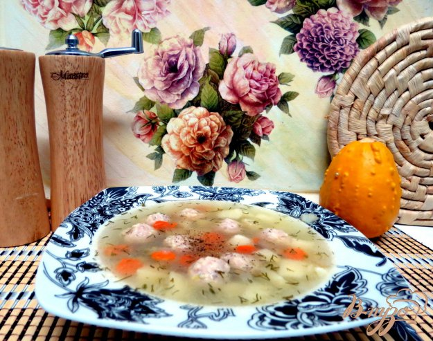 фото рецепта: Суп с фрикадельками курино - сырными