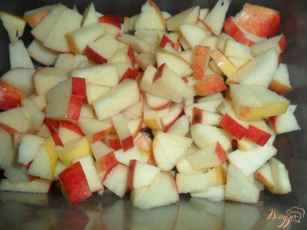 Фото приготовление рецепта: Рисовая запеканка с яблоками шаг №2