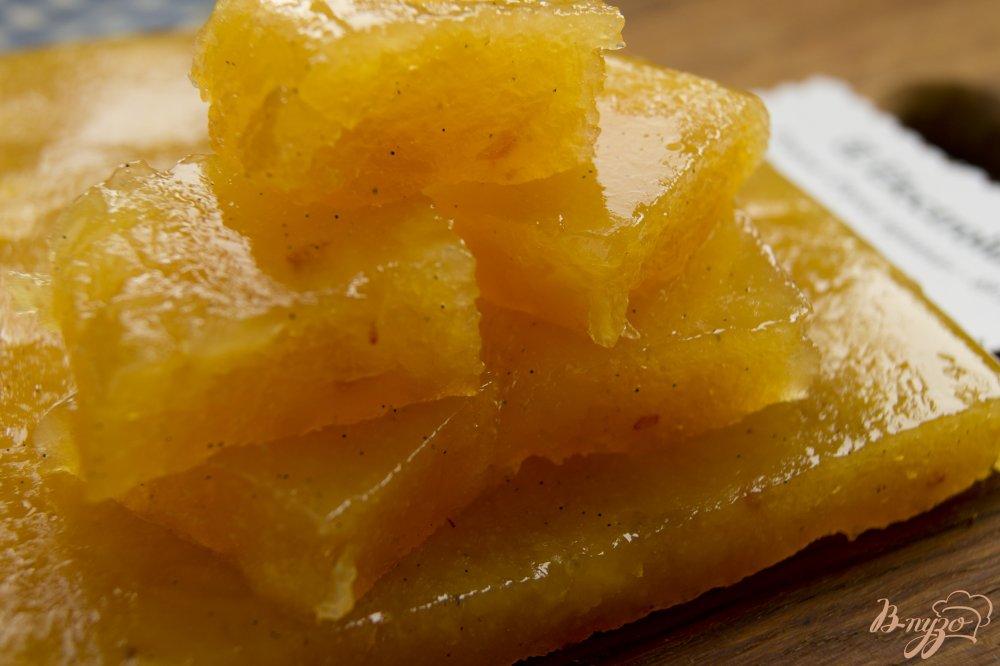 Фото приготовление рецепта: Айвовый мармелад с натуральной ванилью шаг №5