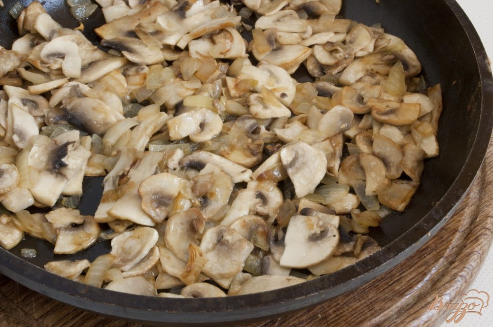 Фото приготовление рецепта: Ароматный суп с чесночком шаг №3