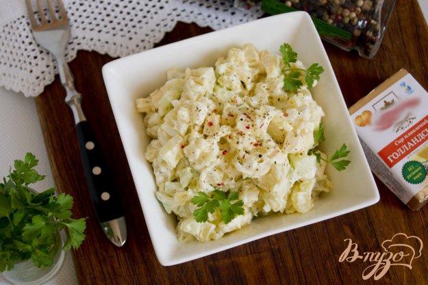 фото рецепта: Салат с картофелем и плавленым сырком