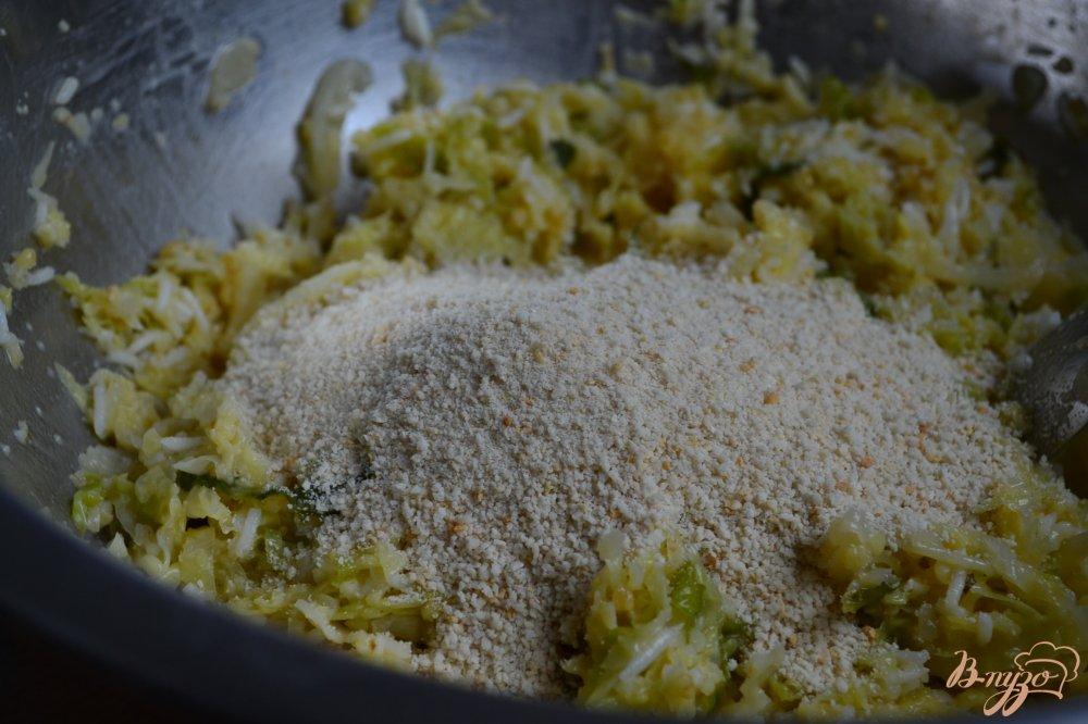Фото приготовление рецепта: Капустные котлеты с крупой шаг №4