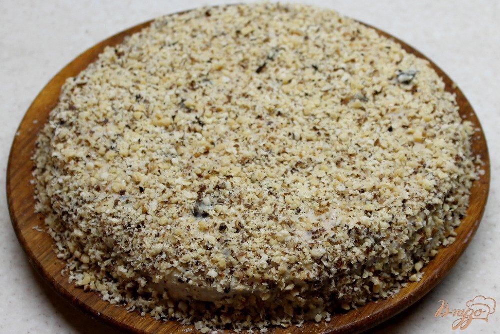 Фото приготовление рецепта: Ореховый торт с заварным кремом шаг №10