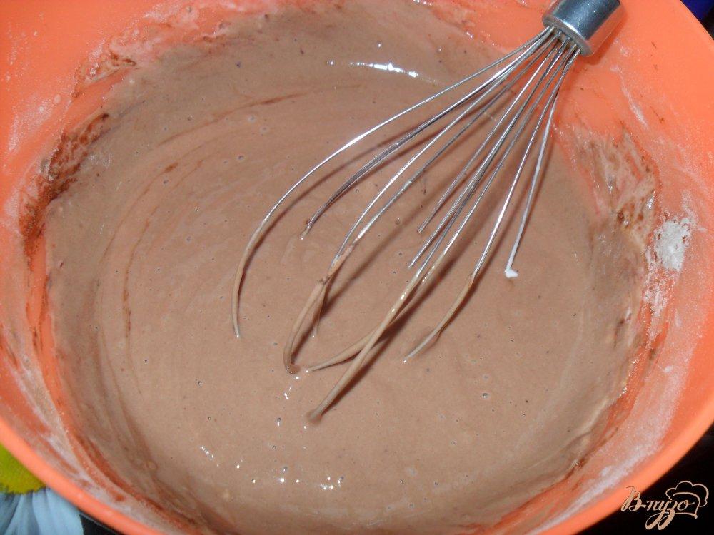 Фото приготовление рецепта: Шоколадные оладьи шаг №3
