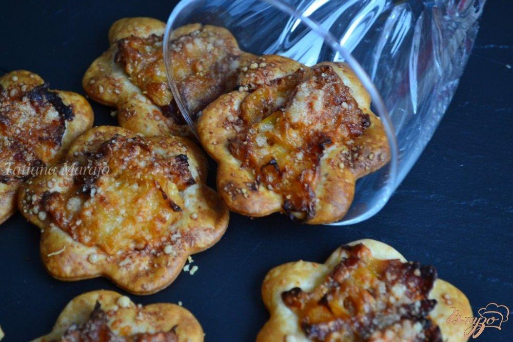Фото приготовление рецепта: Аперитивная закуска с луком пореем шаг №6