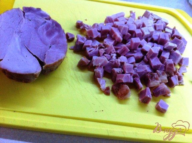Фото приготовление рецепта: Киш лорен (открытый пирог с ветчиной и луком) шаг №5