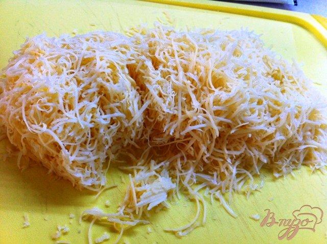 Фото приготовление рецепта: Киш лорен (открытый пирог с ветчиной и луком) шаг №6