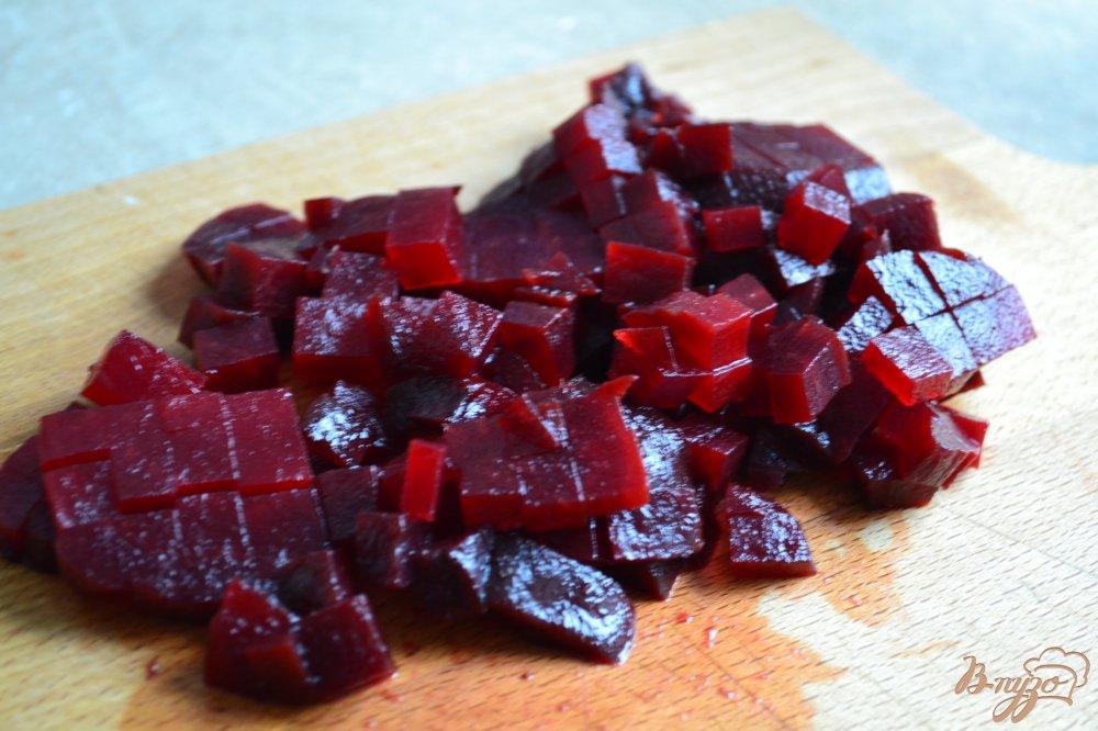 Фото приготовление рецепта: Свекольный салат с кусочками тыквы шаг №3