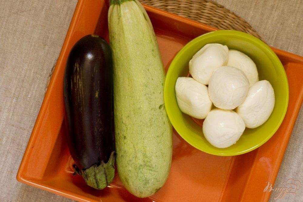 Фото приготовление рецепта: Овощи, запечённые с моцарелло шаг №1