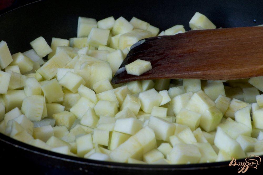Фото приготовление рецепта: Кабачки, тушенные со сметаной шаг №4