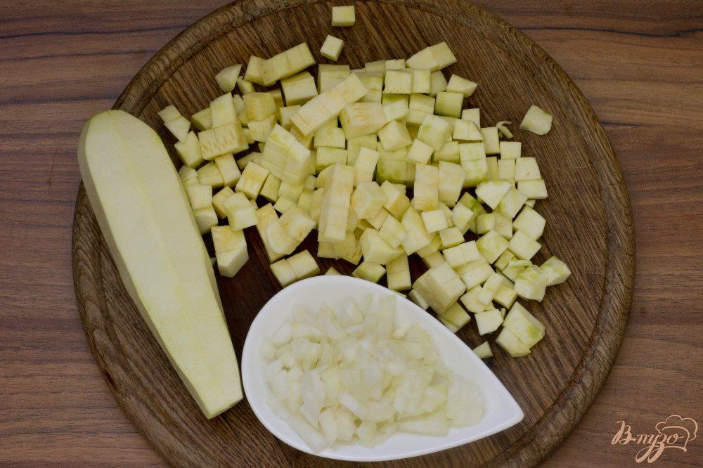 Фото приготовление рецепта: Кабачки, тушенные со сметаной шаг №2