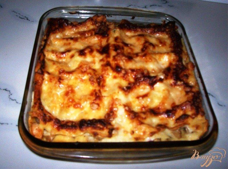 Фото приготовление рецепта: Лазанья с курицей и грибами шаг №9