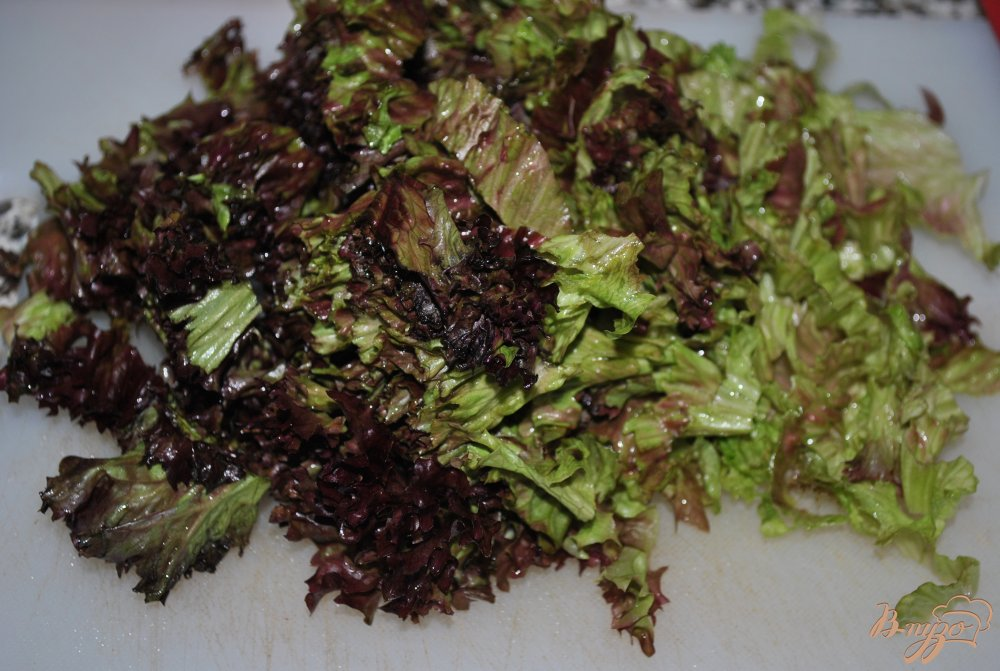 Фото приготовление рецепта: Салат с красной капустой шаг №2