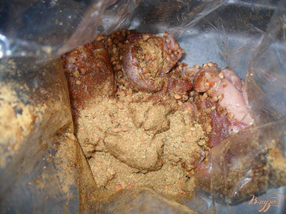 Фото приготовление рецепта: Гречка с курицей в духовке шаг №3