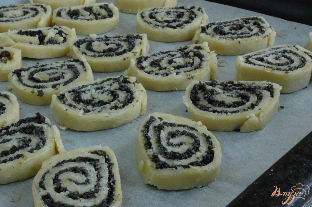 Фото приготовление рецепта: Сырное печенье с маслинами и лимоном шаг №12