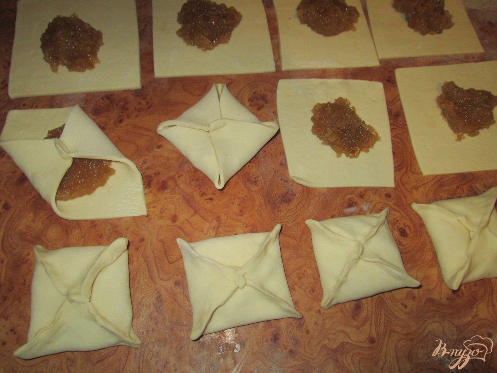 Конвертики из слоеного теста с фаршем пошаговый рецепт с фото