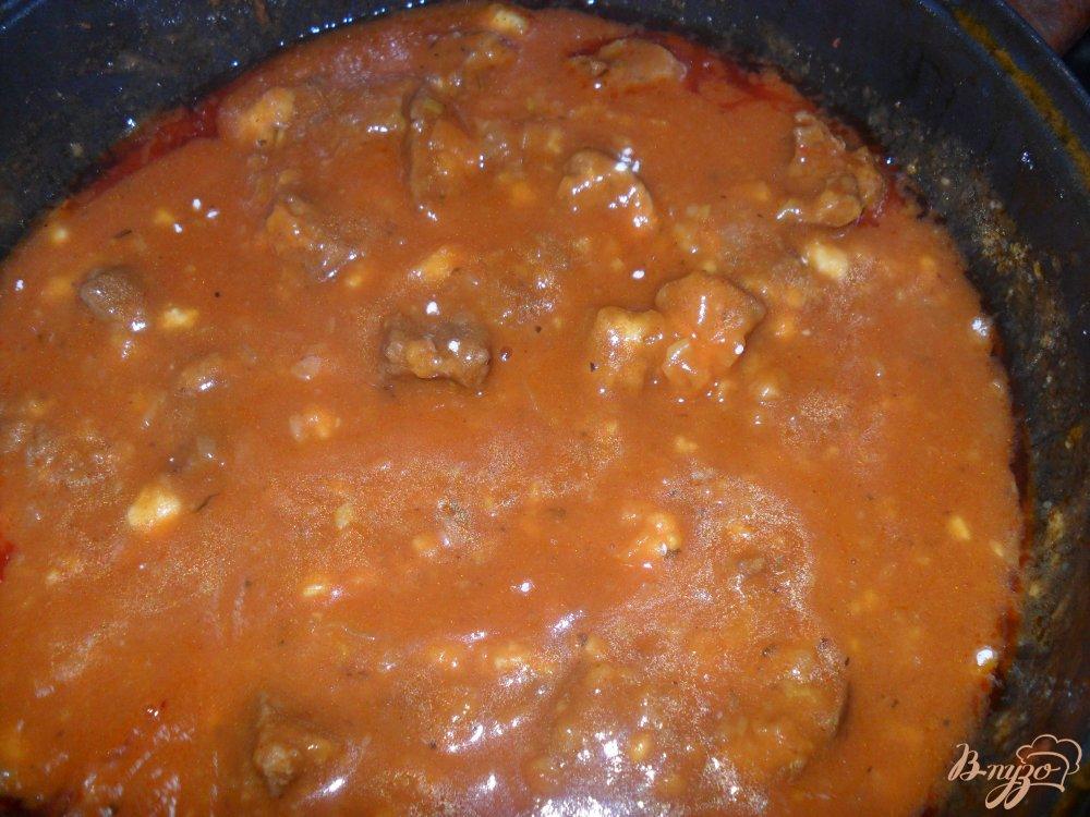 Фото приготовление рецепта: Гуляш свиной с подливой шаг №6