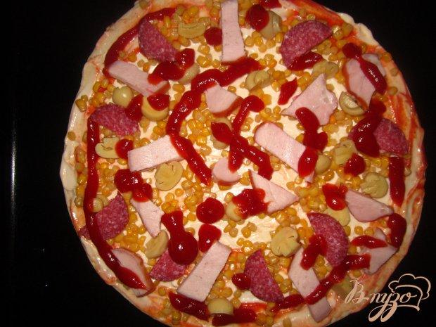 Пицца с балыком и маринованными грибами