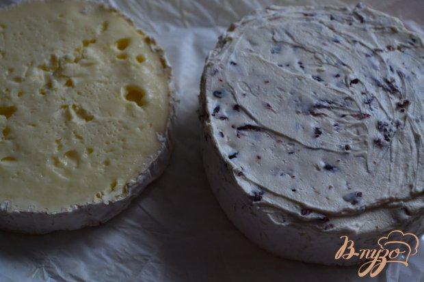 Закусочный сыр с начинкой из вяленой клюквы