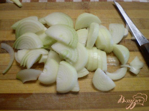 Стручковая фасоль с луком в томате
