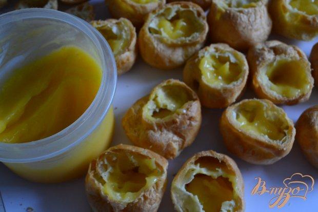 Заварные пирожные с лимонным кремом и фруктами