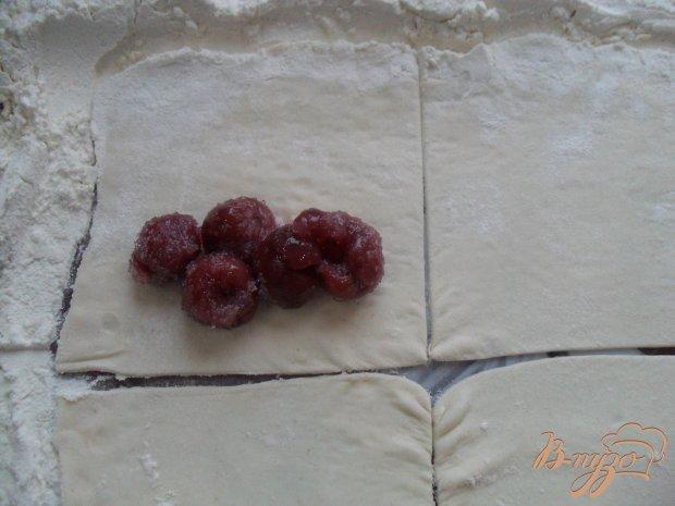 Слойки с вишнями