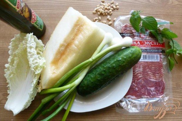 Салат из дыни и сырокоченого мяса