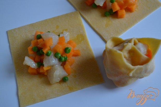 Манты с овощами и рыбой