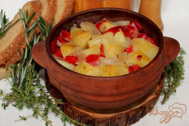 Картофель с болгарским перцем  запеченный в горшочке