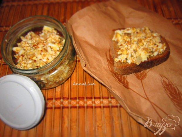 Селедочное масло с икры и яйцом