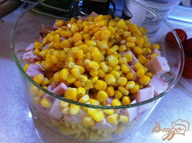 Салат с копченой курицей и фузилли (макаронами)
