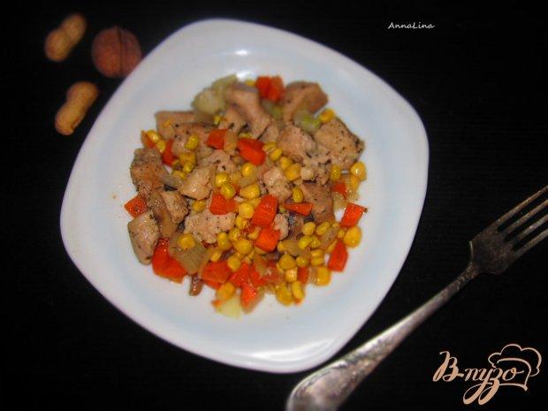 Жареная свинина с сладкой кукурузой