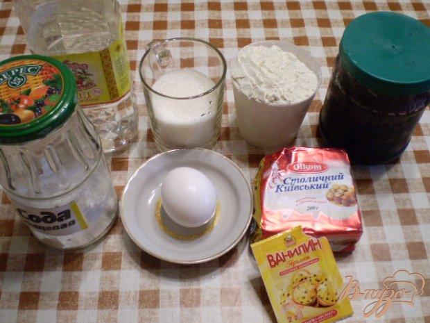 Тертый пирог с шелковичным джемом