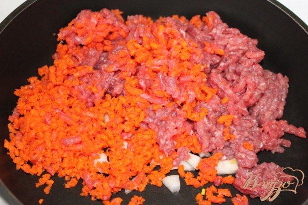 Слоеный пирог с мясом и овощами