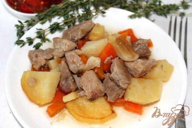 Свинина с картофелем в горшочке