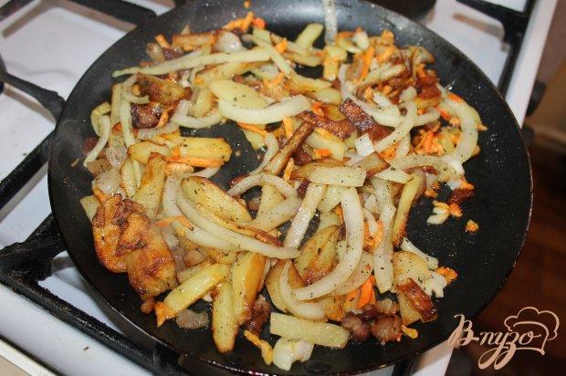 Картофель по-сельски с сметанным соусом