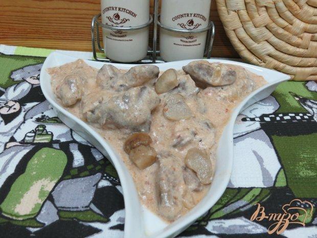 Печень в соусе с грибами