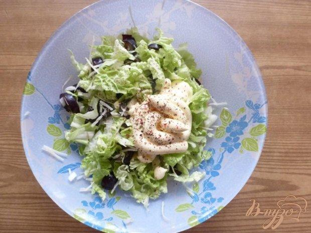 Салат с виноградом,сыром и чесноком