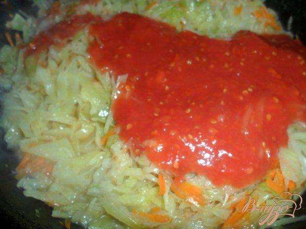 Тушеная капуста с консервированными помидорами
