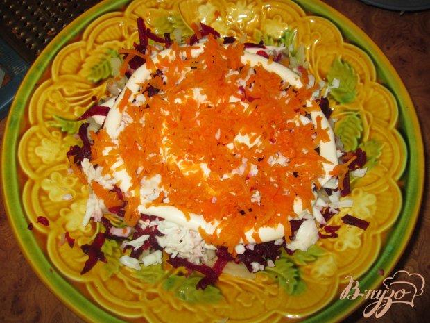 Слоеный салат с сельдью и свеклой