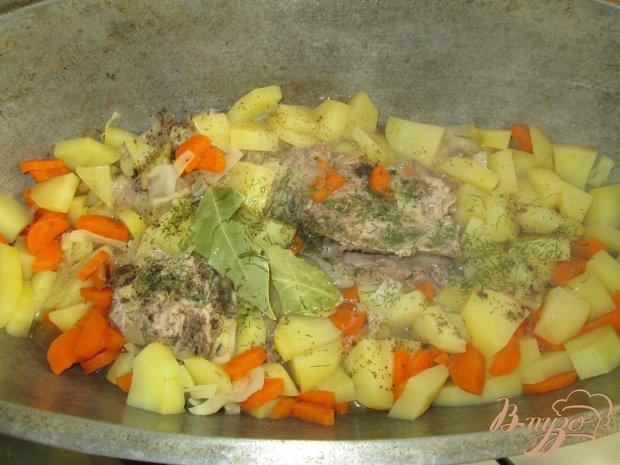 Жаркое со свиными ребрами и картофелем