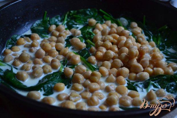 Котлеты с горохом в сливочном соусе со шпинатом