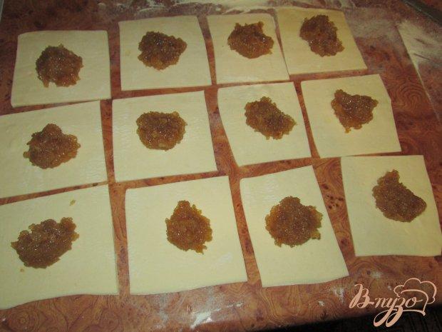 Конвертики из слоеного теста с повидлом