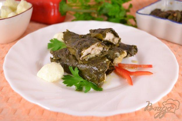 Риба з моцарелою у виноградних листках. Як приготувати з фото