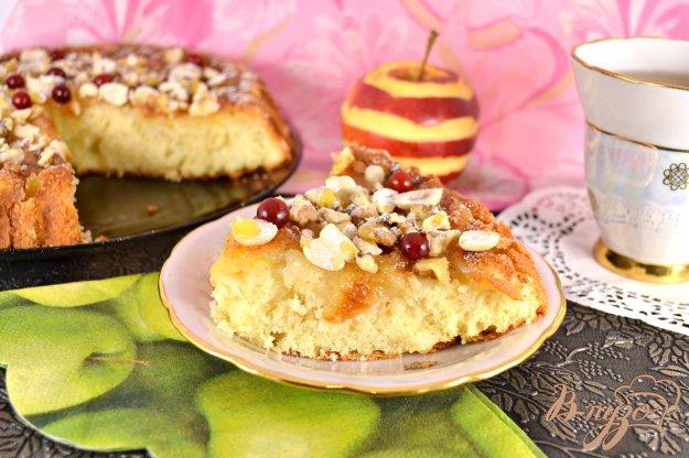 фото рецепта: Сметанный пирог с яблоками