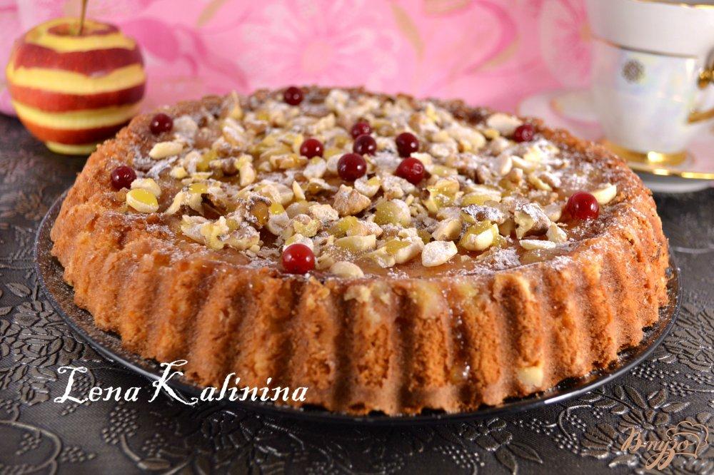 Фото приготовление рецепта: Сметанный пирог с яблоками шаг №5
