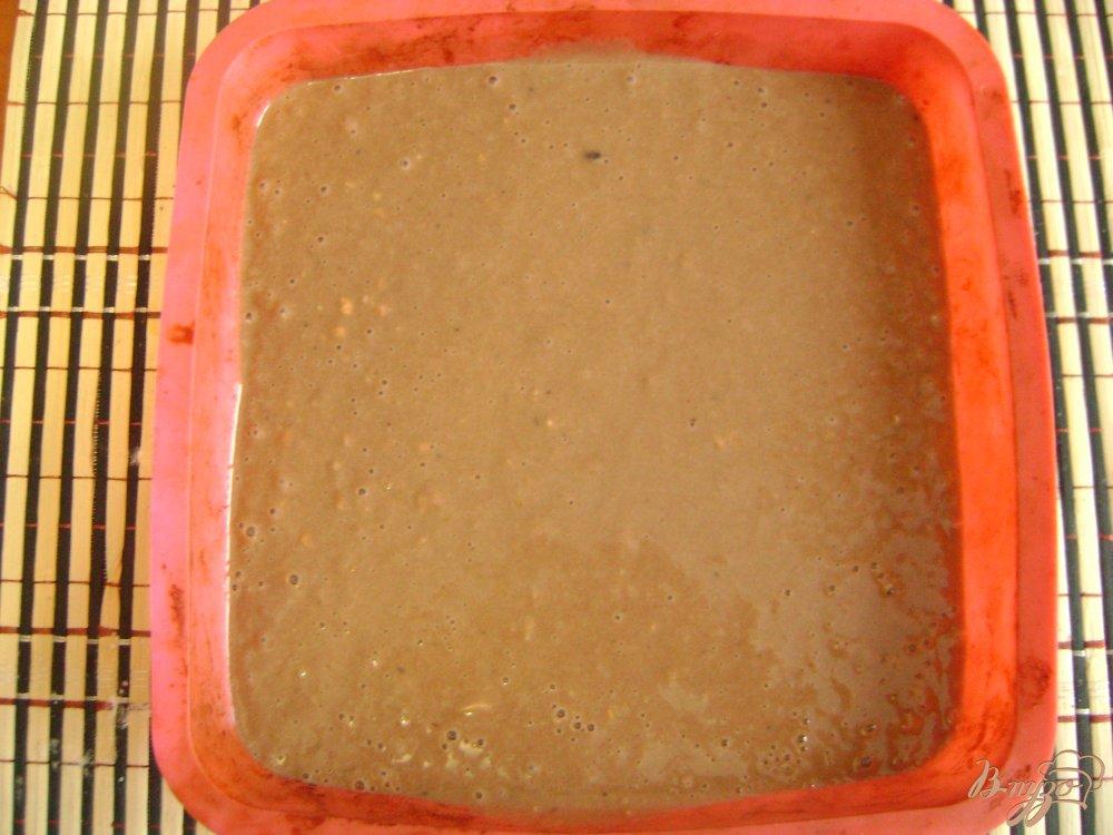 Фото приготовление рецепта: Арахисовая коврижка на чайной заварке шаг №6
